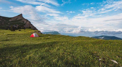 Wildkamperen en bivakkeren in Frankrijk: regels per nationaal park