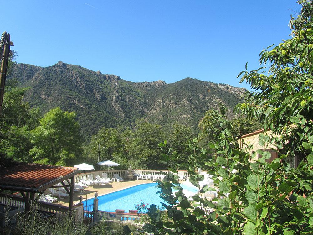 camping-domaine-saint-martin-pyreneeen-zwembad