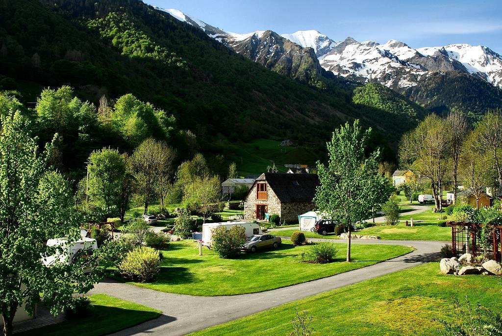 camping-pyreneeen-frankrijk-natura-estaing