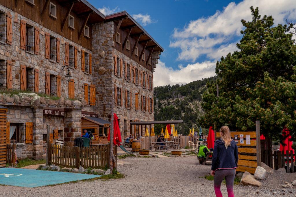 berghut-pyreneeen-lac-bouillouses